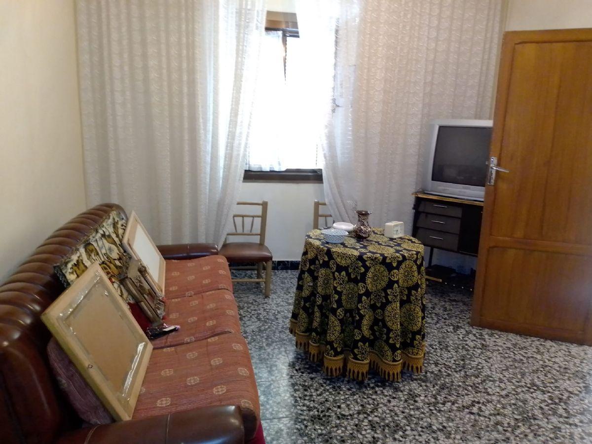 Casa en venta en Tomelloso, Ciudad Real, Calle Leon, 65.000 €, 2 habitaciones, 1 baño, 193 m2