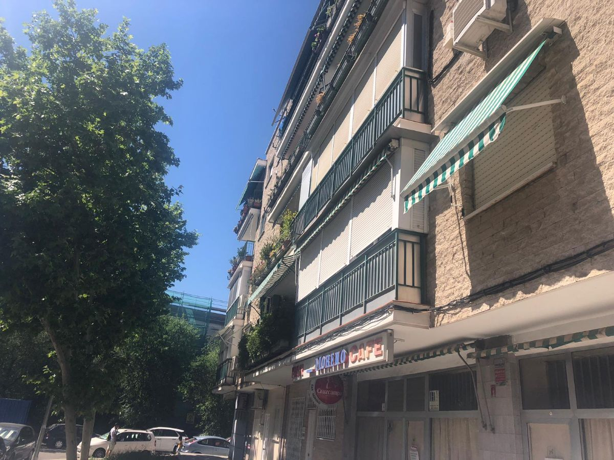 Piso en venta en Madrid, Madrid, Calle Corregidor Jose de Pasamonte, 230.000 €, 3 habitaciones, 1 baño, 77 m2