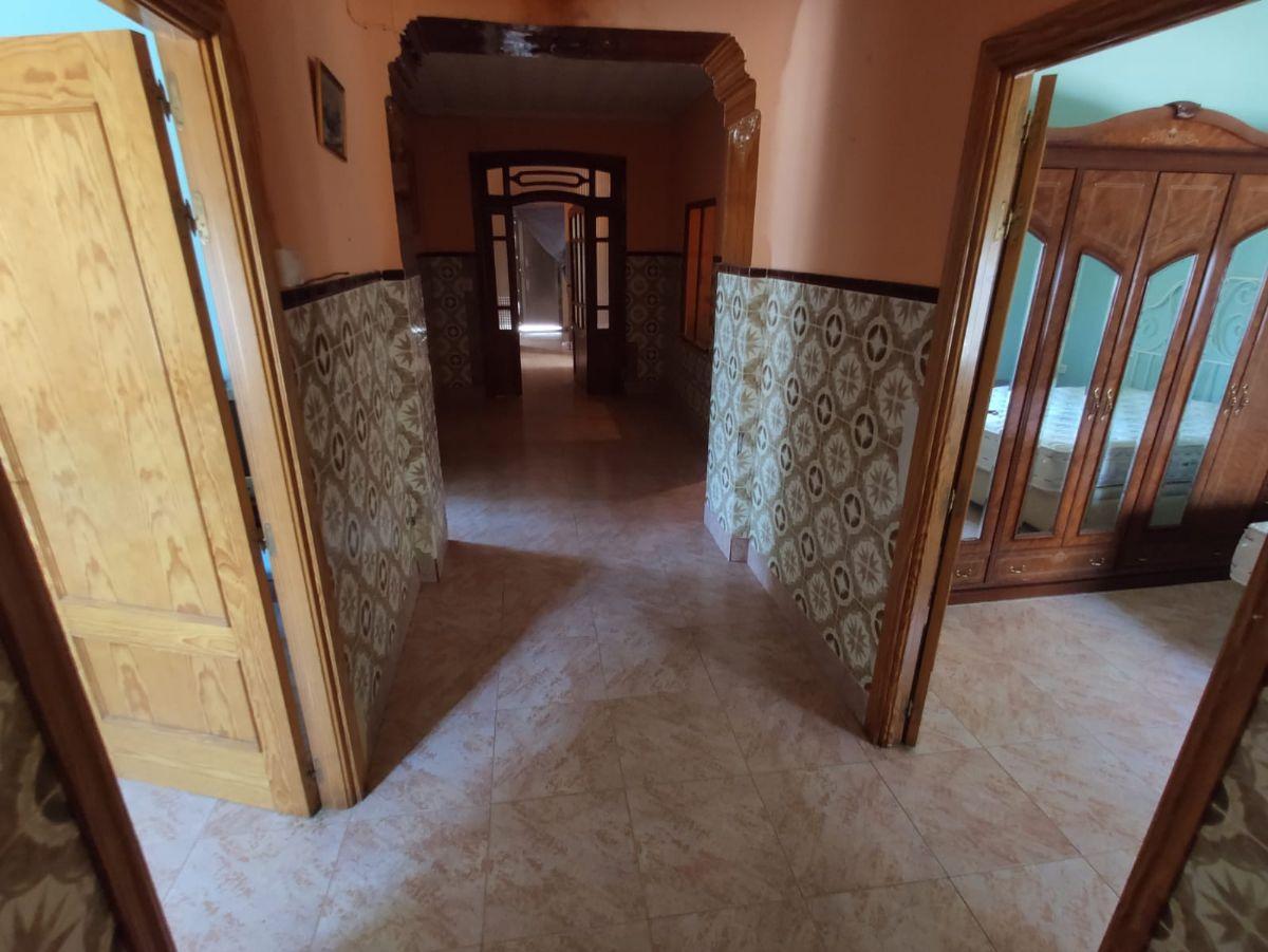 Casa en venta en Tomelloso, Ciudad Real, Calle Alegria, 41.000 €, 5 habitaciones, 1 baño, 200 m2
