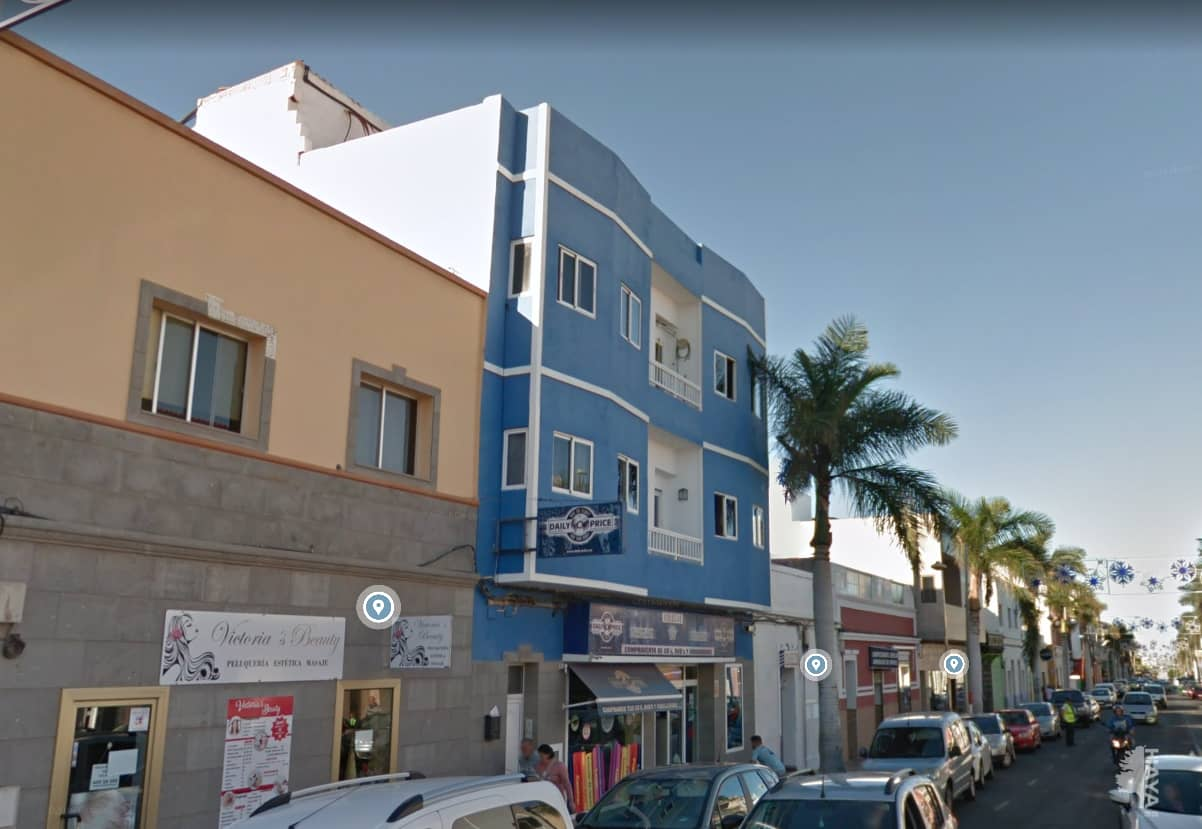 Piso en venta en Cruce de Sardina, Santa Lucía de Tirajana, Las Palmas, Avenida Canarias, 68.000 €, 3 habitaciones, 1 baño, 101 m2