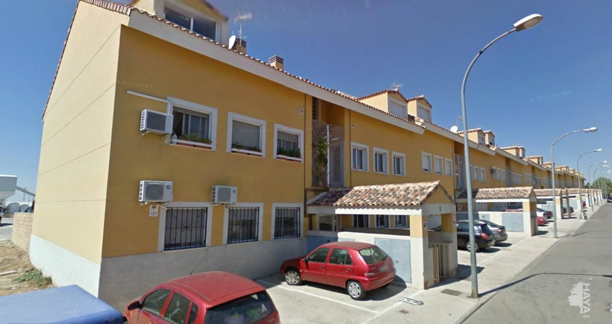 Piso en venta en Pradillos, Yeles, Toledo, Camino Esquivias, 70.000 €, 2 habitaciones, 1 baño, 93 m2