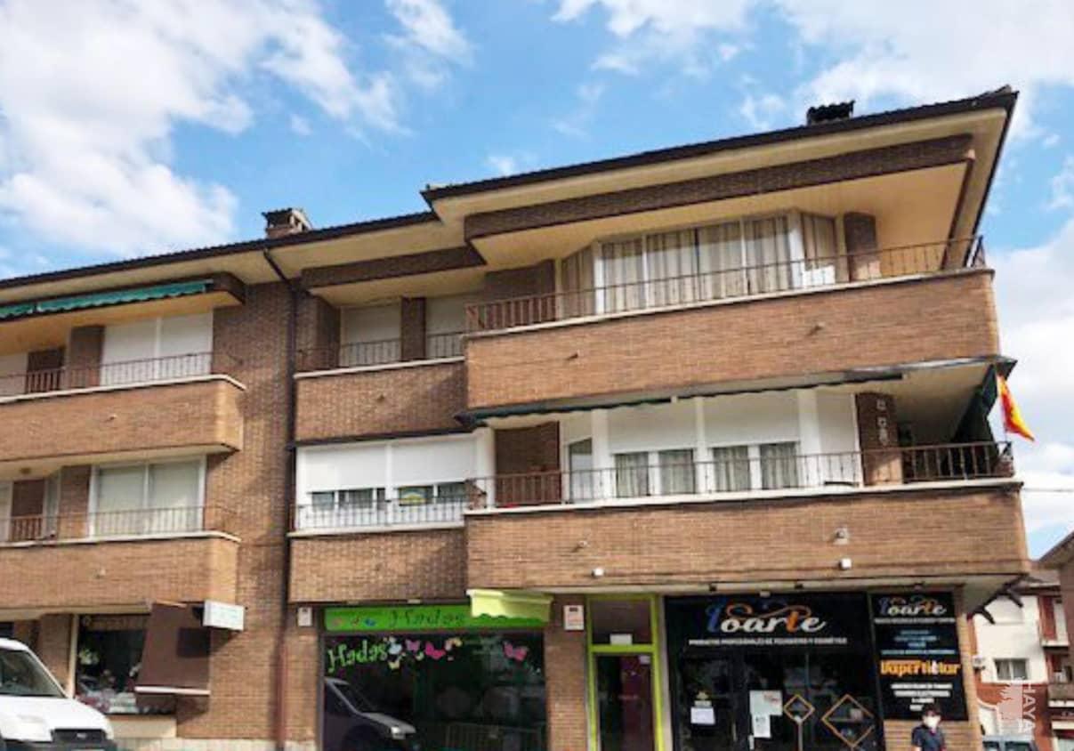 Piso en venta en Sotillo de la Adrada, Sotillo de la Adrada, Ávila, Avenida Padre Segundo, 66.200 €, 3 habitaciones, 2 baños, 102 m2
