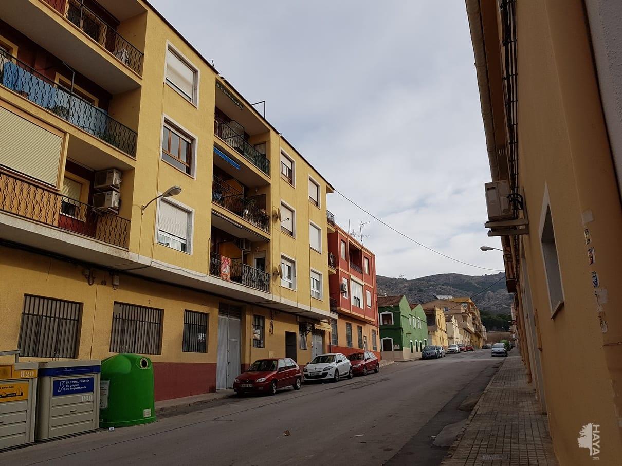 Piso en venta en Villena, Alicante, Calle Celada, 54.381 €, 3 habitaciones, 2 baños, 139 m2