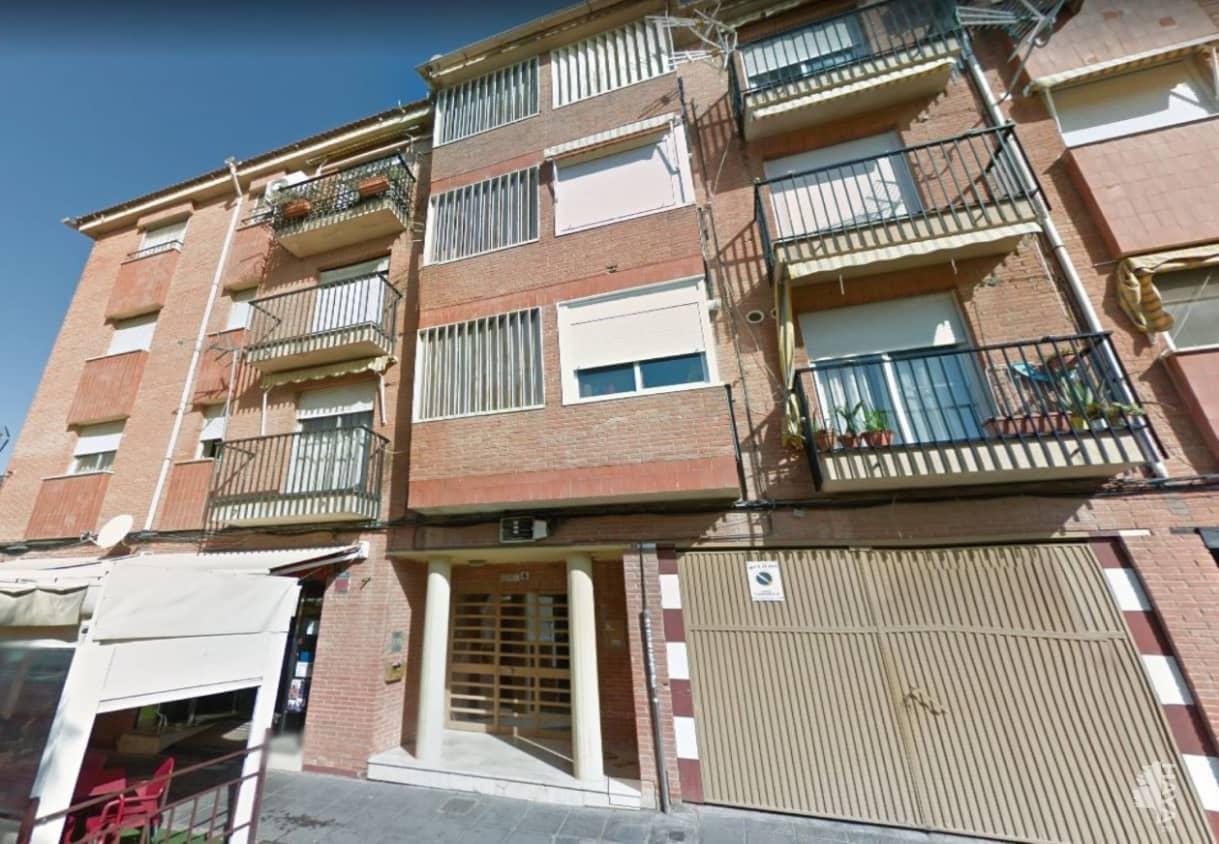 Piso en venta en La Zubia, Granada, Calle Cervantes, 83.100 €, 3 habitaciones, 1 baño, 127 m2