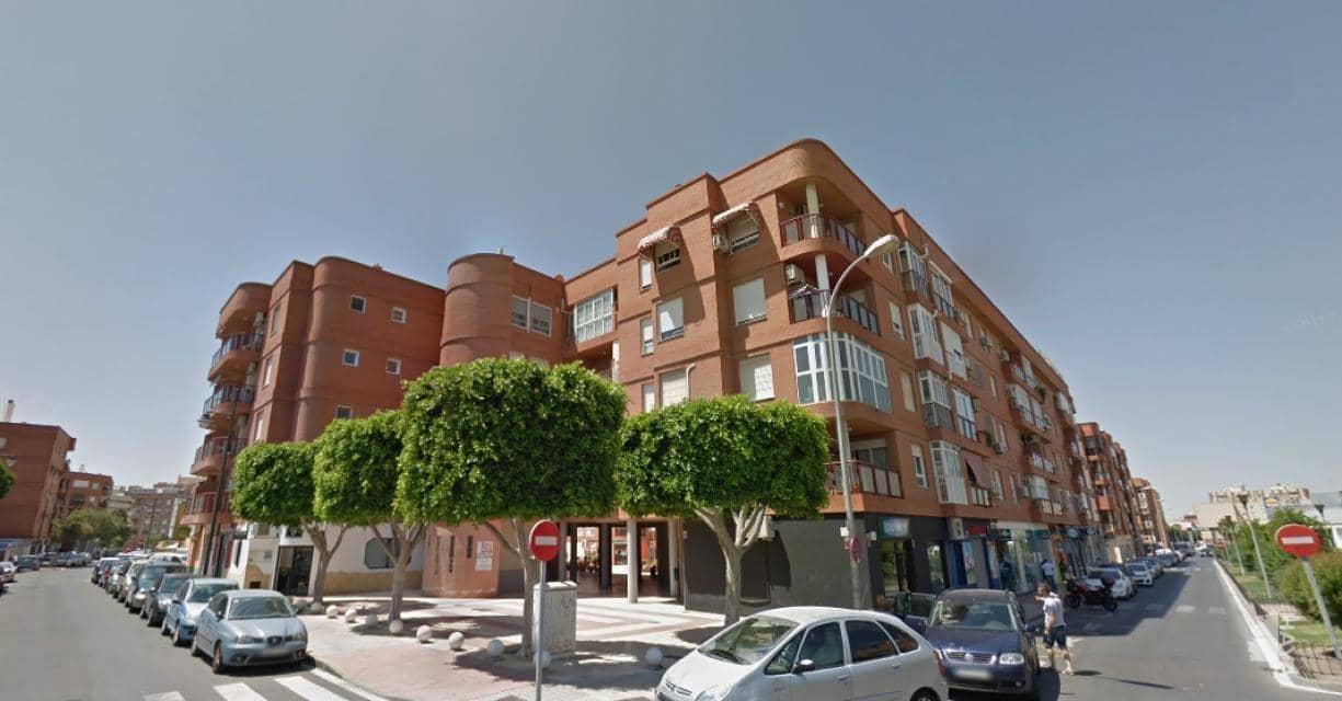 Piso en venta en Almería, Almería, Calle Retama, 121.000 €, 3 habitaciones, 1 baño, 101 m2
