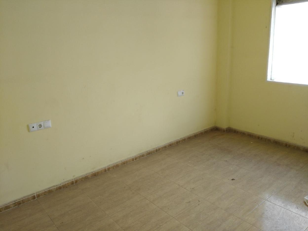 Piso en venta en Vícar, Almería, Calle Hermanos Machado, 81.000 €, 3 habitaciones, 1 baño, 90 m2