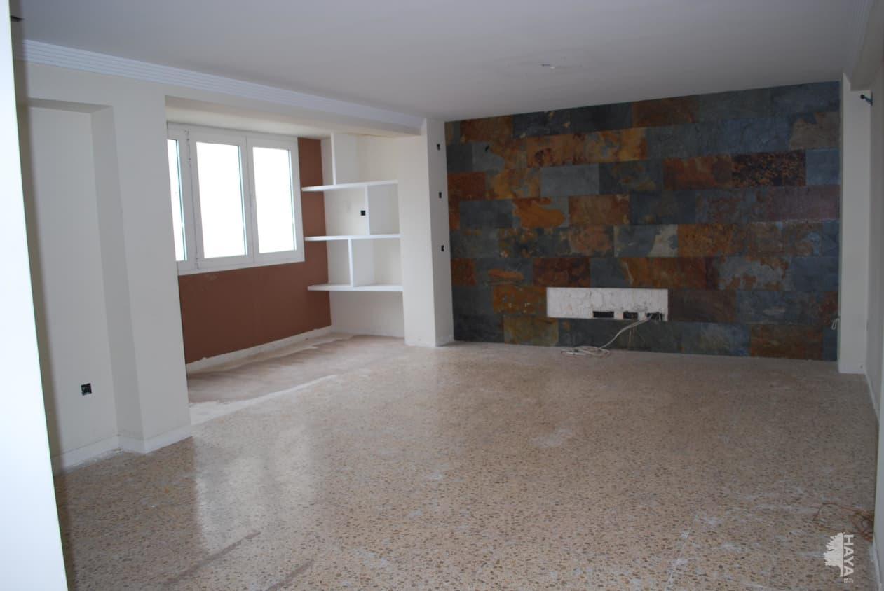 Piso en venta en Gandia, Valencia, Calle Nou Doctubre, 49.100 €, 4 habitaciones, 1 baño, 125 m2