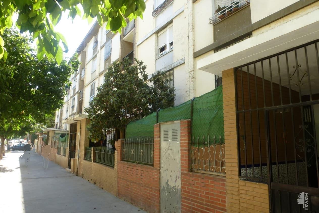 Piso en venta en Distrito Cerro-amate, Sevilla, Sevilla, Calle Brujula, 29.100 €, 2 habitaciones, 1 baño, 54 m2