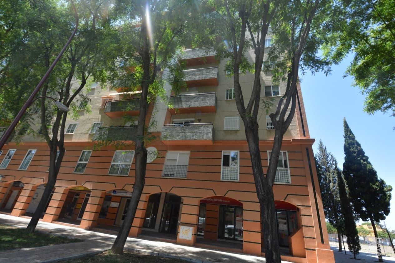 Piso en venta en Distrito Este-alcosa-torreblanca, Sevilla, Sevilla, Avenida Ciencias (las), 226.800 €, 4 habitaciones, 2 baños, 126 m2