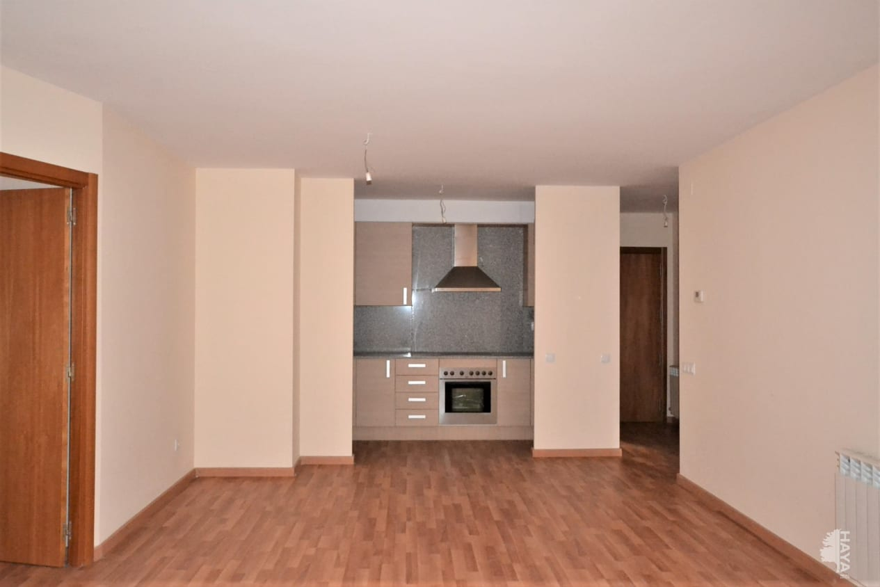 Piso en venta en Torre de la Consuelo, Bellpuig, Lleida, Avenida Urgell, 68.000 €, 2 habitaciones, 2 baños, 75 m2