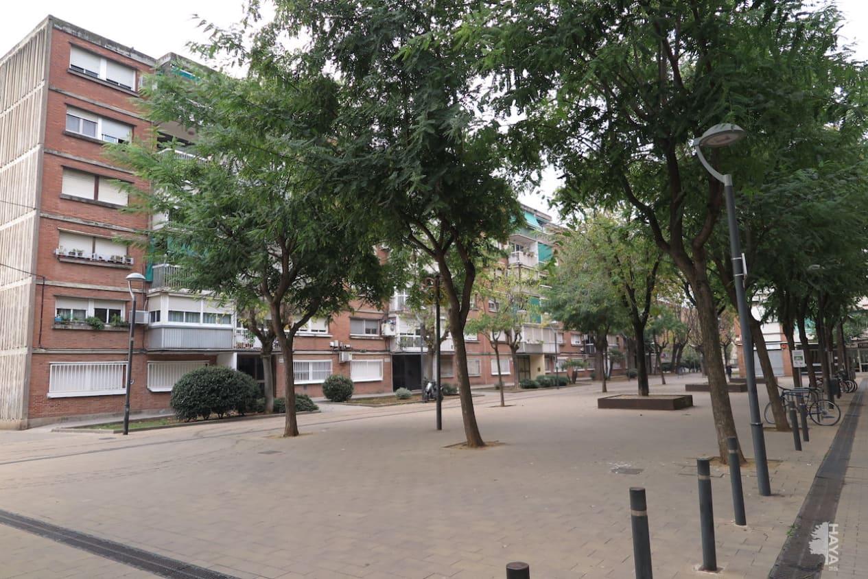 Piso en venta en La Florida, Santa Perpètua de Mogoda, Barcelona, Calle Ramon Muntaner, 59.400 €, 3 habitaciones, 1 baño, 65 m2