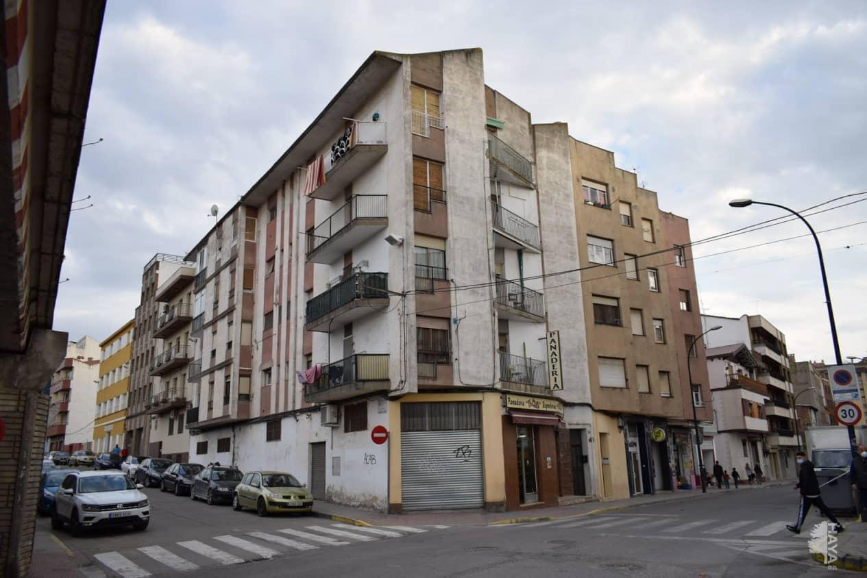 Piso en venta en La Carrasca, Monzón, Huesca, Calle Calvario, 53.027 €, 2 habitaciones, 1 baño, 98 m2