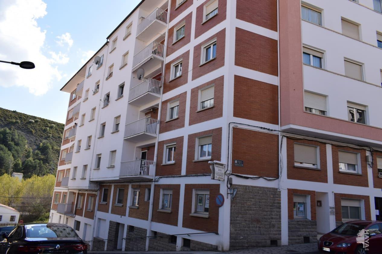 Piso en venta en Sabiñánigo, Huesca, Calle Aragon, 66.300 €, 3 habitaciones, 1 baño, 80 m2