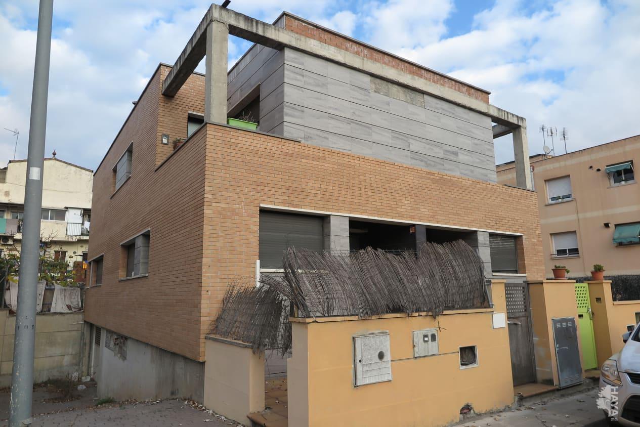 Casa en venta en La Florida, Santa Perpètua de Mogoda, Barcelona, Calle Quatre, 238.700 €, 3 habitaciones, 2 baños, 210 m2