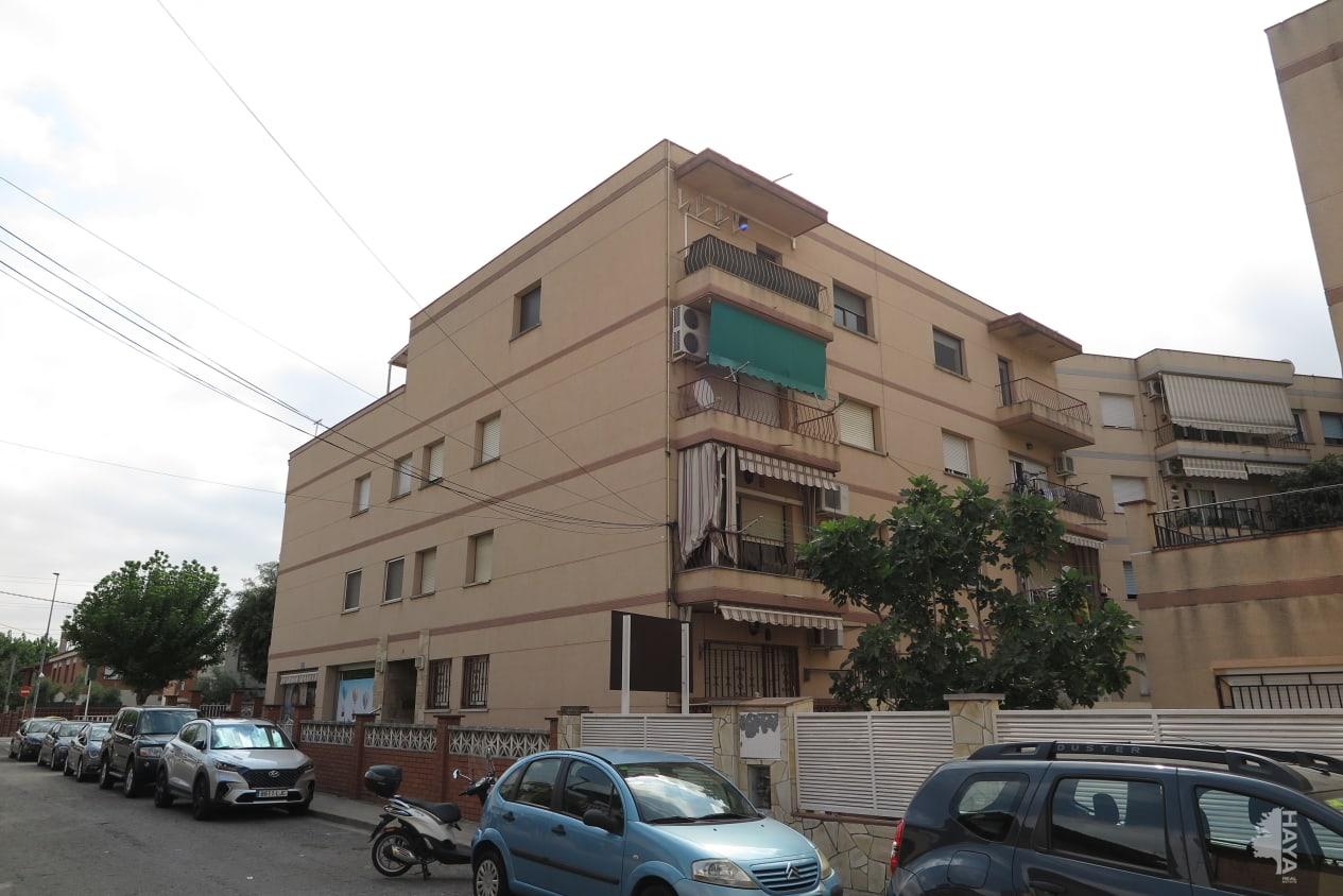 Piso en venta en La Florida, Santa Perpètua de Mogoda, Barcelona, Calle Quatre, Atico, 96.600 €, 4 habitaciones, 3 baños, 71 m2