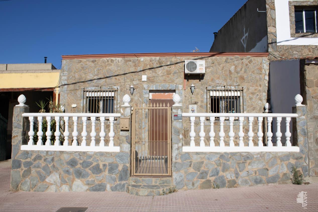 Casa en venta en Santa Marta, Badajoz, Calle San Juan, 73.800 €, 4 habitaciones, 1 baño, 126 m2