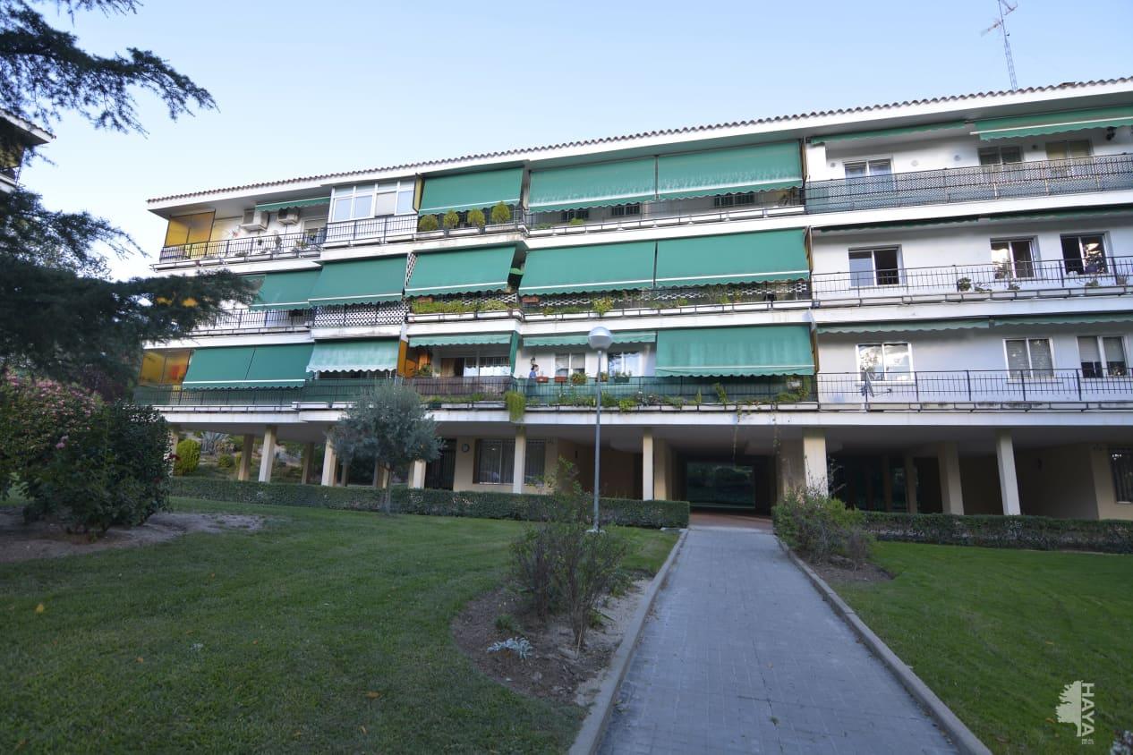 Piso en venta en Parque Coimbra, Móstoles, Madrid, Calle Tamarindo (del), 227.300 €, 4 habitaciones, 2 baños, 180 m2