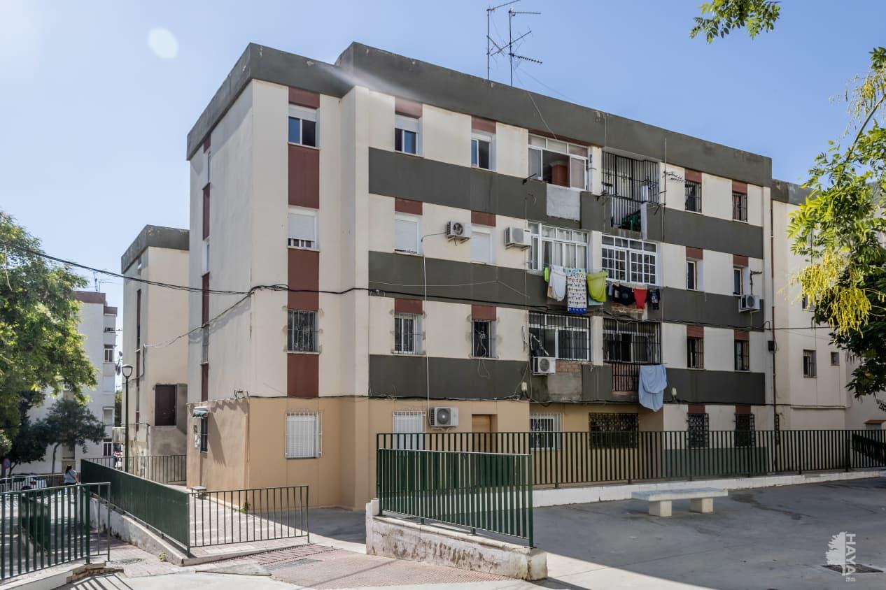 Piso en venta en Palma-palmilla, Málaga, Málaga, Calle Cabriel, 45.100 €, 3 habitaciones, 1 baño, 101 m2