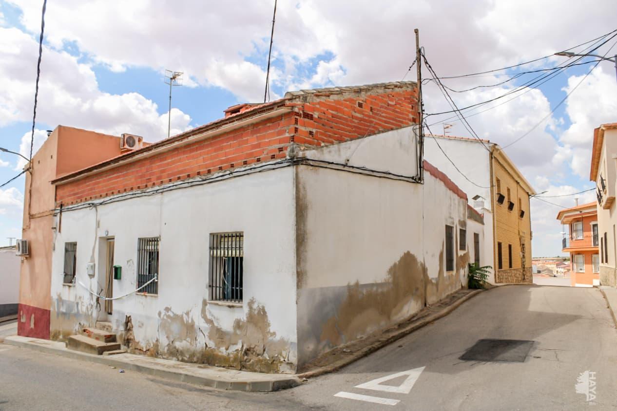 Casa en venta en La Alberca de Záncara, la Alberca de Záncara, Cuenca, Calle Carmen, 49.900 €, 3 habitaciones, 1 baño, 90 m2