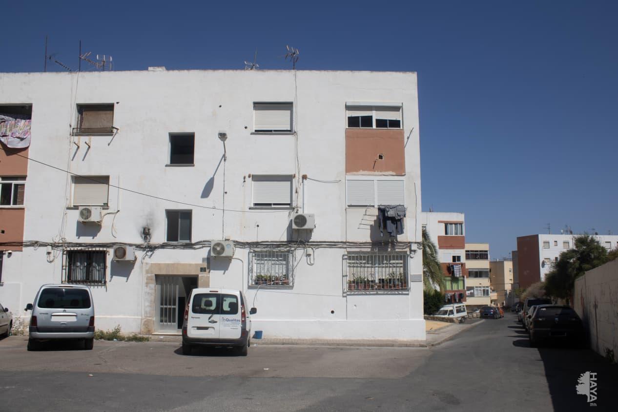 Piso en venta en Las Cuevas de San Joaquín, Almería, Almería, Calle Furia, 25.800 €, 3 habitaciones, 1 baño, 53 m2