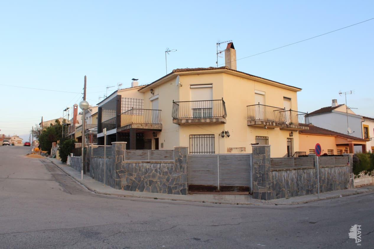 Casa en venta en Les Masies del Torrent, Albinyana, Tarragona, Avenida Verge de Montserrat (de La), 129.000 €, 4 habitaciones, 2 baños, 134 m2