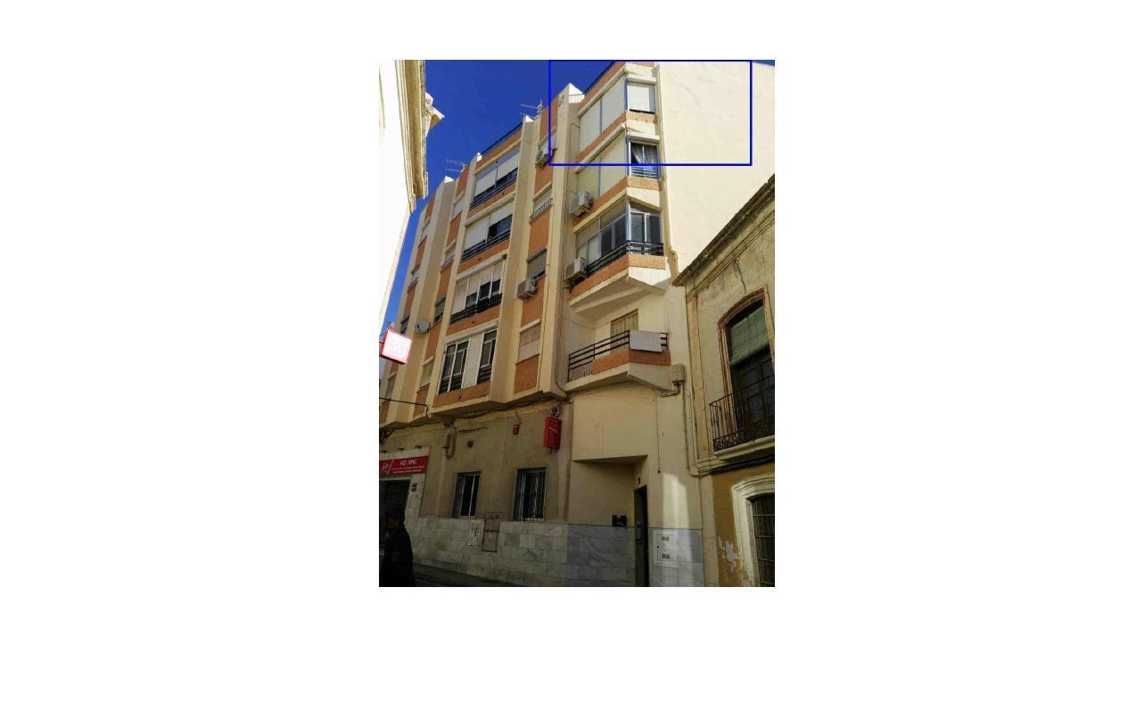 Piso en venta en Almedina, Almería, Almería, Calle San Juan, 31.200 €, 3 habitaciones, 1 baño, 81 m2