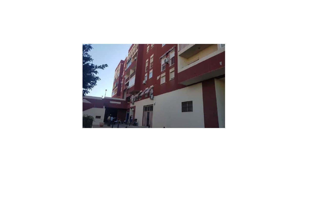 Piso en venta en Villa Blanca, Almería, Almería, Calle Chercos, 61.900 €, 3 habitaciones, 2 baños, 90 m2