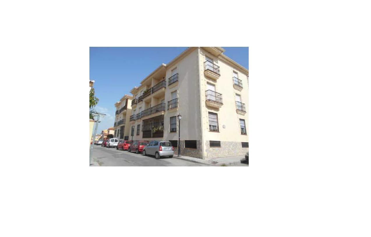 Piso en venta en Cúllar Vega, la Gabias, Granada, Calle Menorca, 64.000 €, 2 habitaciones, 2 baños, 83 m2