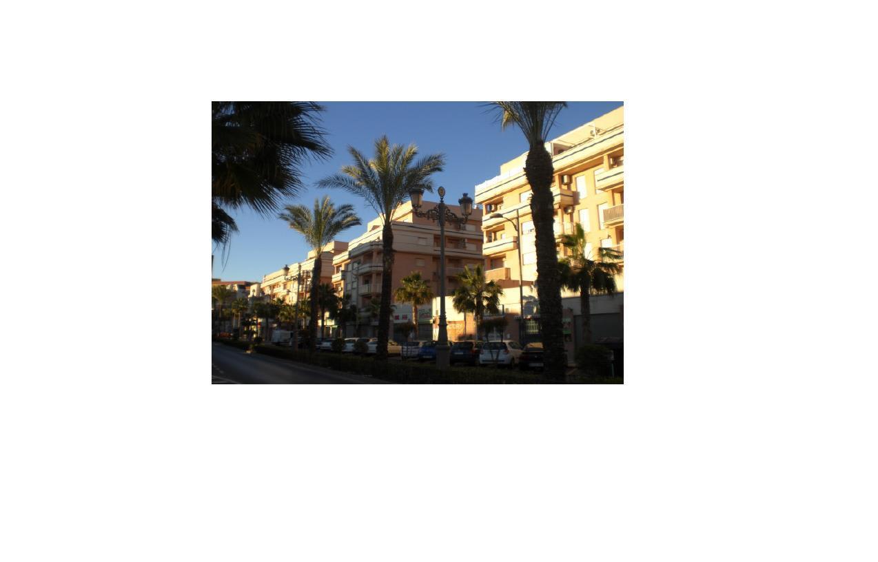 Piso en venta en Los Depósitos, Roquetas de Mar, Almería, Avenida Sabinal, 69.400 €, 2 habitaciones, 1 baño, 108 m2