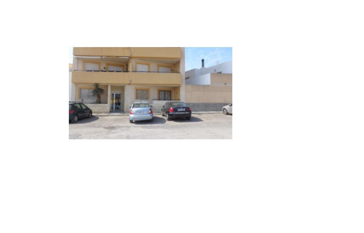 Piso en venta en El Parador de la Hortichuelas, Roquetas de Mar, Almería, Calle Hortichuelas, 75.700 €, 3 habitaciones, 2 baños, 111 m2