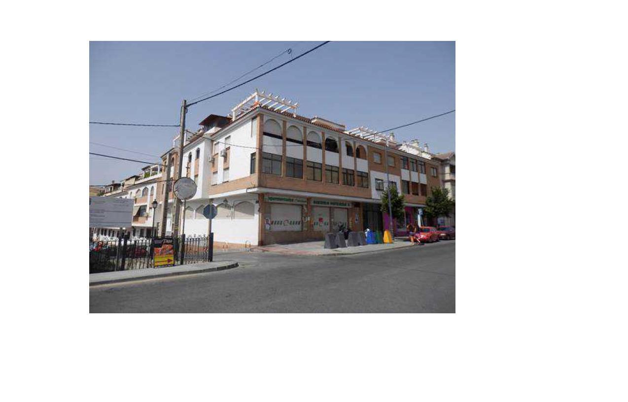 Piso en venta en Cenes de la Vega, Cenes de la Vega, Granada, Avenida Sierra Nevada, 81.100 €, 3 habitaciones, 2 baños, 107 m2