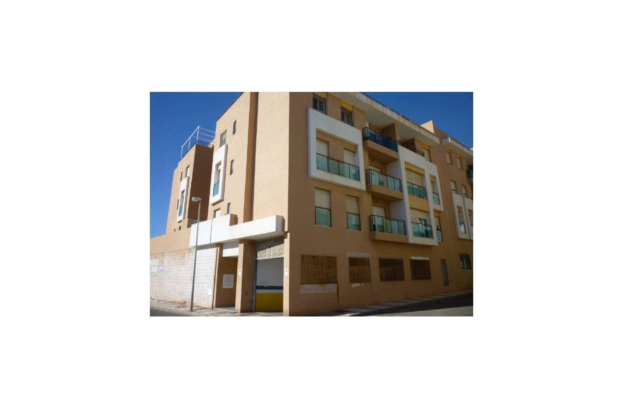 Piso en venta en Urbanización Roquetas de Mar, Roquetas de Mar, Almería, Calle Cerro Muriano, 96.000 €, 3 habitaciones, 2 baños, 93 m2