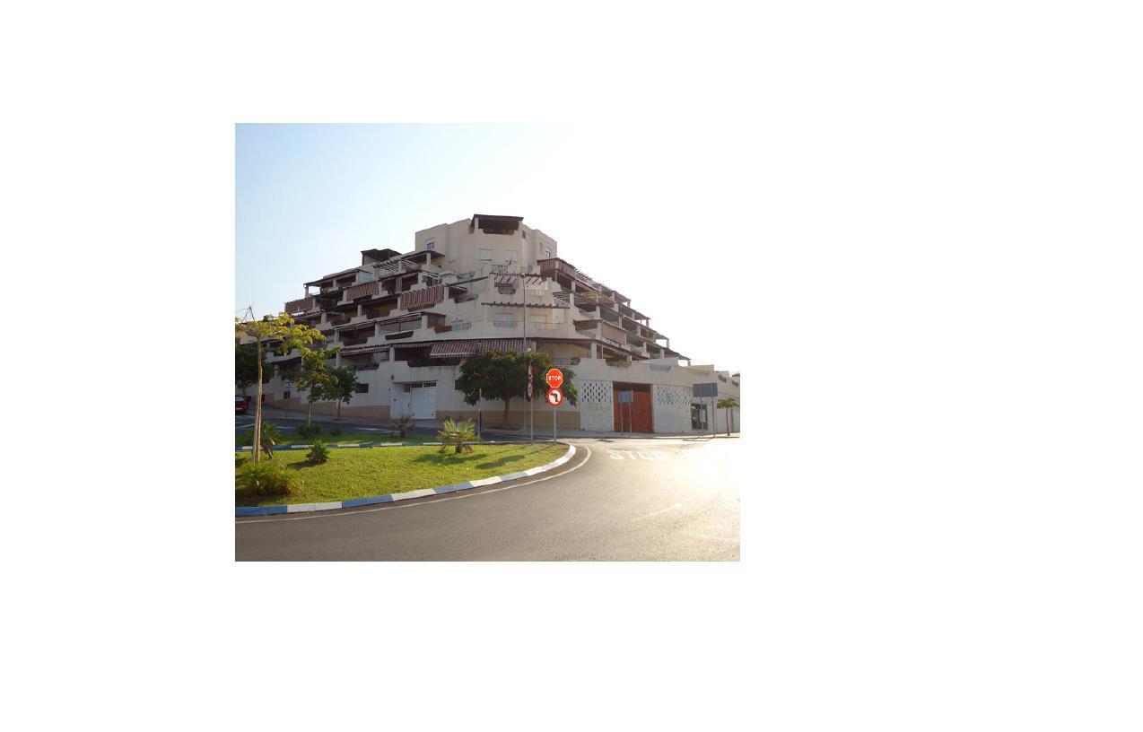 Piso en venta en Motril, Granada, Avenida Sierra Nevada, 102.500 €, 3 habitaciones, 1 baño, 67 m2