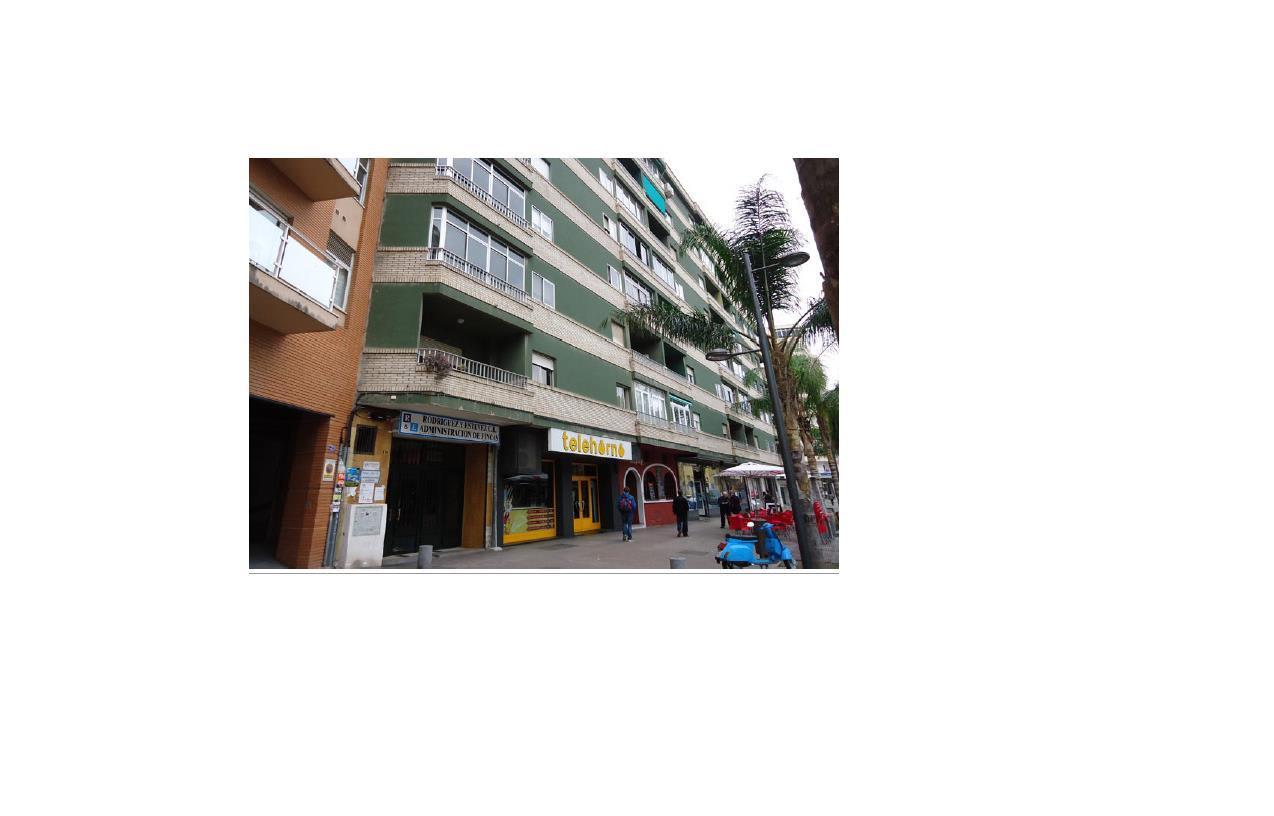Piso en venta en Motril, Granada, Avenida Salobreña, 151.200 €, 4 habitaciones, 2 baños, 151 m2