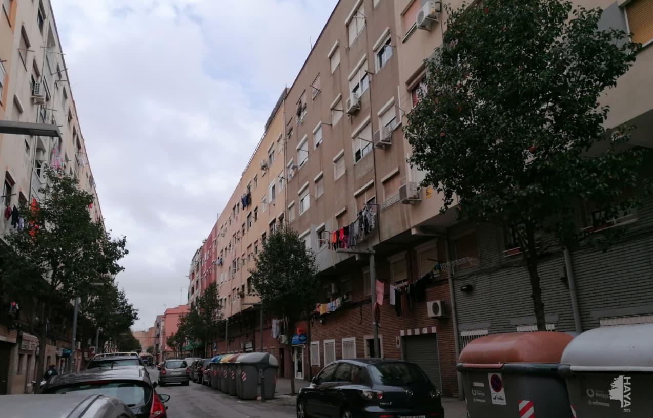 Piso en venta en Badalona, Barcelona, Calle Napols, 61.000 €, 2 habitaciones, 1 baño, 55 m2