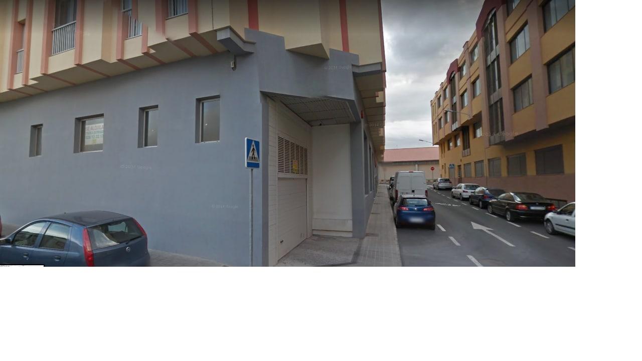 Piso en venta en Santa Lucía de Tirajana, Las Palmas, Calle Delicias, 71.000 €, 2 habitaciones, 1 baño, 91 m2