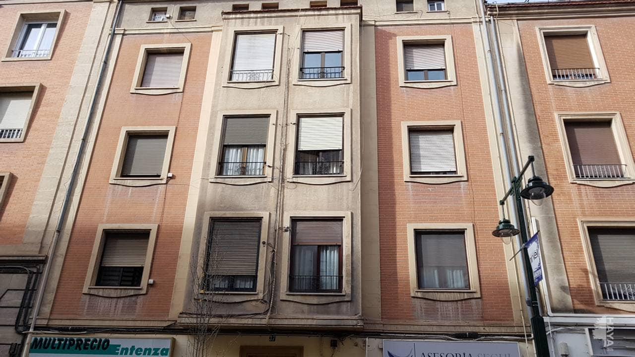 Piso en venta en Eixample, Alcoy/alcoi, Alicante, Calle Na Saurina D`entenca, 48.000 €, 3 habitaciones, 1 baño, 52 m2