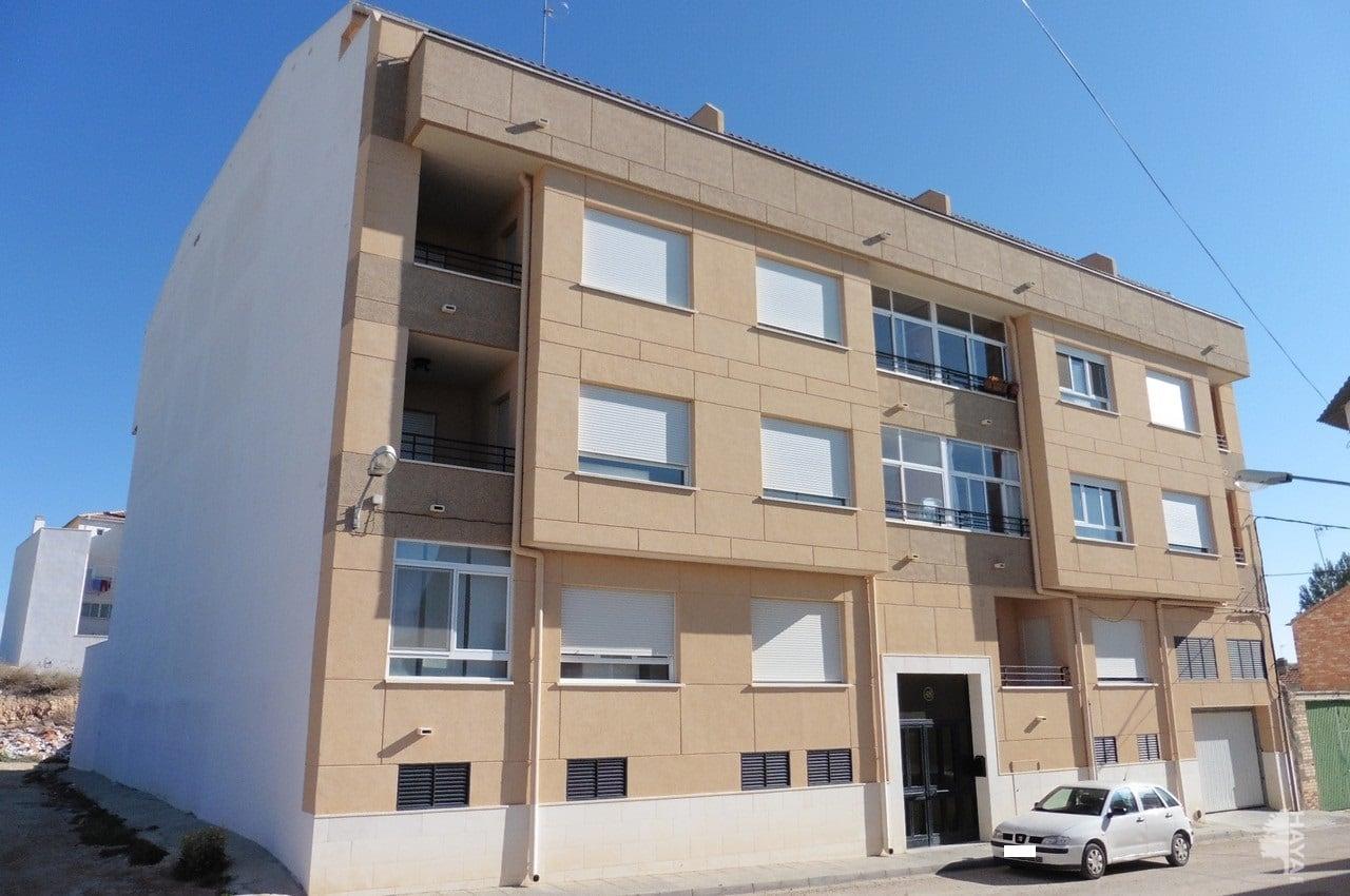 Piso en venta en La Roda, Albacete, Calle El Quijote, 76.000 €, 3 habitaciones, 139 m2