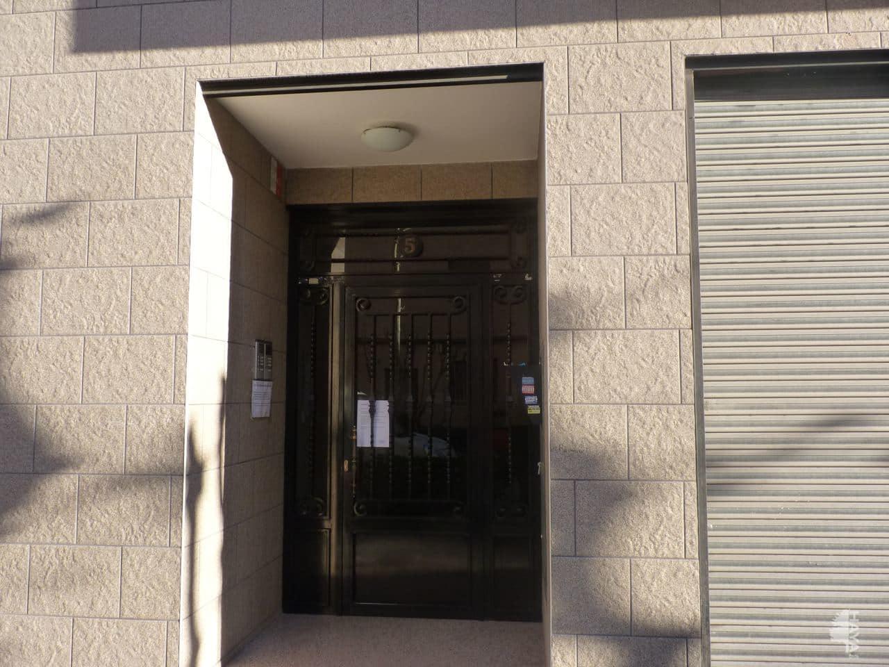 Piso en venta en Crevillent, Alicante, Paseo de la Estacion, 62.500 €, 3 habitaciones, 2 baños, 114 m2