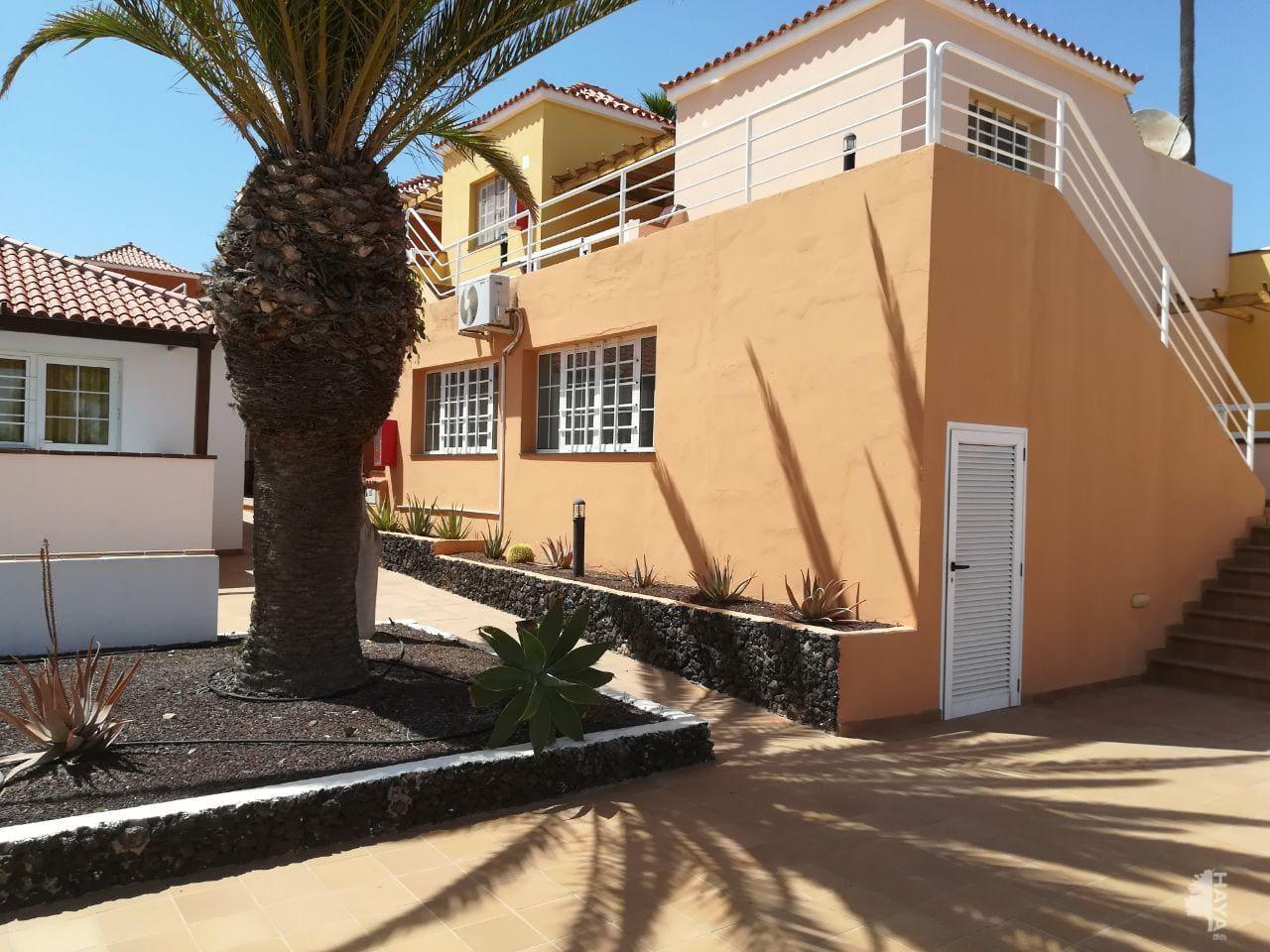 Casa en venta en La Oliva, Las Palmas, Calle Aguamarina, 137.808 €, 2 habitaciones, 1 baño, 67 m2
