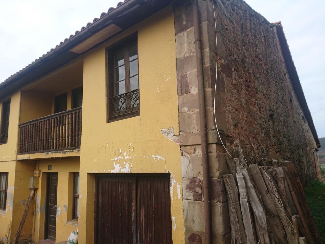 Casa en venta en Piélagos, Cantabria, Calle la Edesa, 80.000 €, 5 habitaciones, 1 baño, 281 m2
