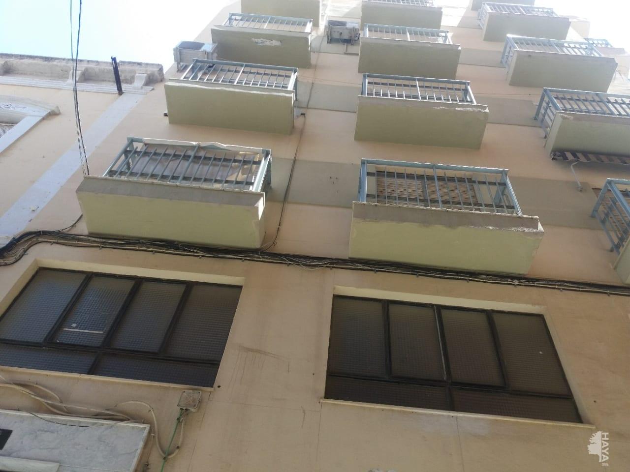 Piso en venta en Almedina, Almería, Almería, Calle Federico Castro, 60.480 €, 2 habitaciones, 1 baño, 92 m2