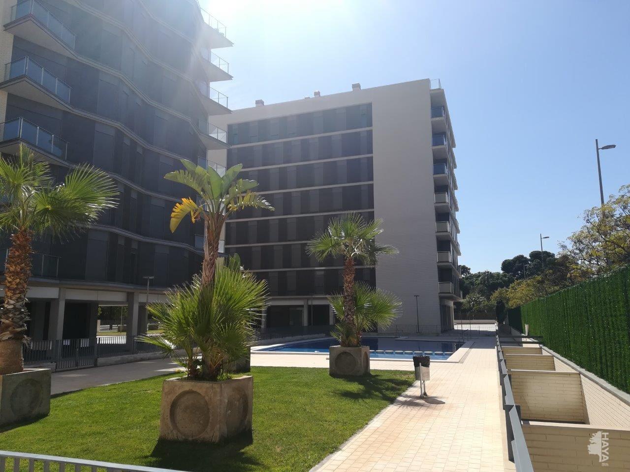 Piso en venta en Grupo Santiago, Castellón de la Plana/castelló de la Plana, Castellón, Calle la Safor, 137.550 €, 2 habitaciones, 2 baños, 131 m2