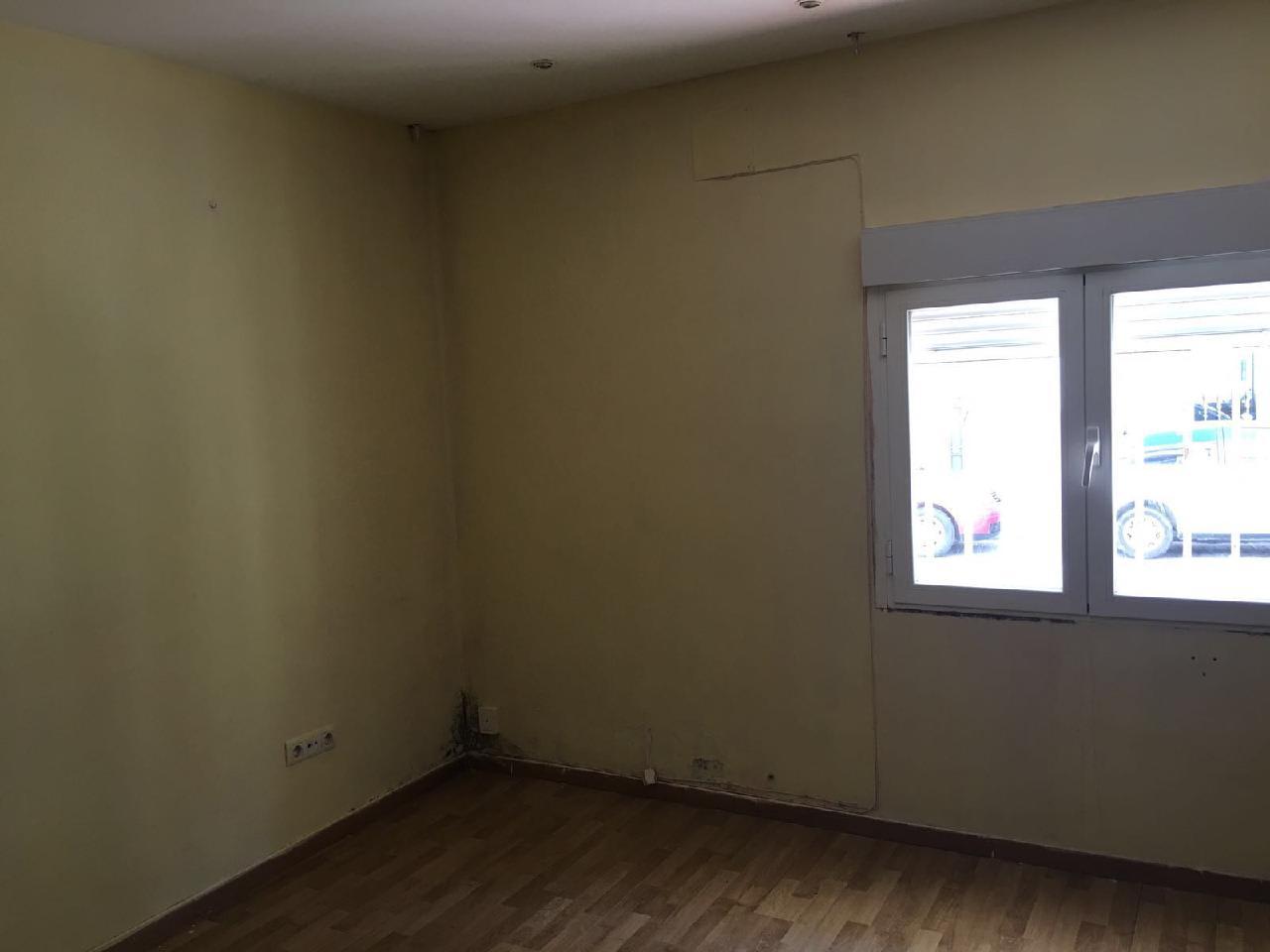 Piso en venta en Las Delicias, Valladolid, Valladolid, Calle Bata, 39.007 €, 3 habitaciones, 1 baño, 57 m2