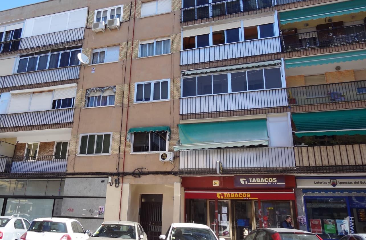 Piso en venta en La Laguna, Parla, Madrid, Calle Alfonso X El Sabio, 96.500 €, 3 habitaciones, 1 baño, 77 m2