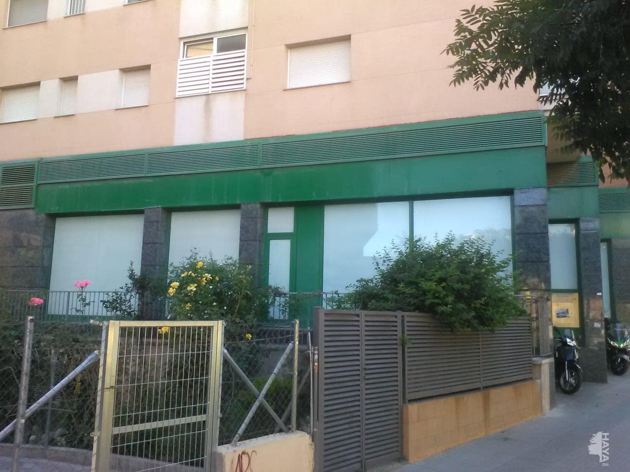 Local en venta en Olesa de Montserrat, Barcelona, Calle Arquebisbe Ramón Torrella, 296.976 €, 185 m2