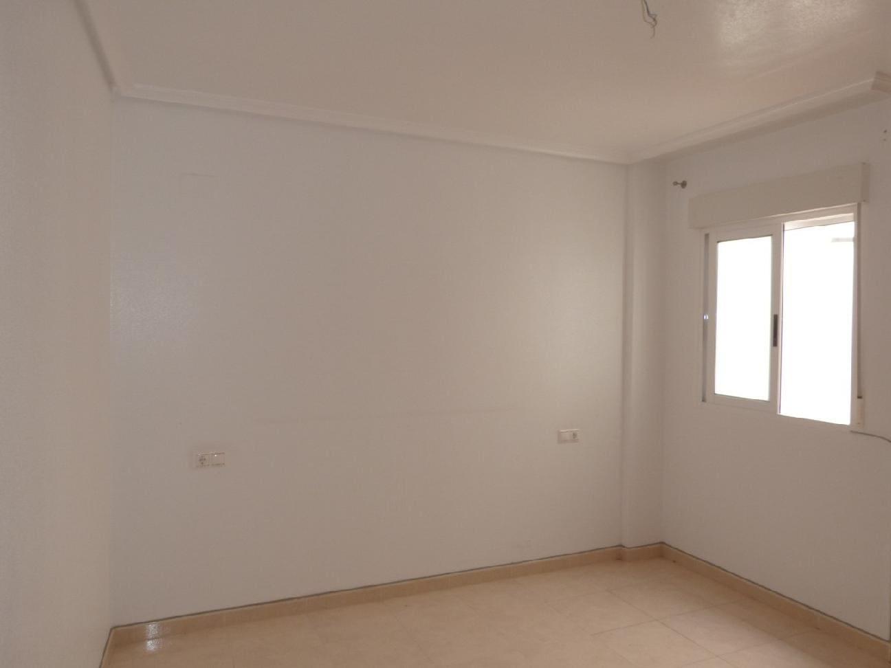 Piso en venta en L´asil, Dolores, Alicante, Calle Colon, 34.000 €, 2 habitaciones, 1 baño, 74 m2