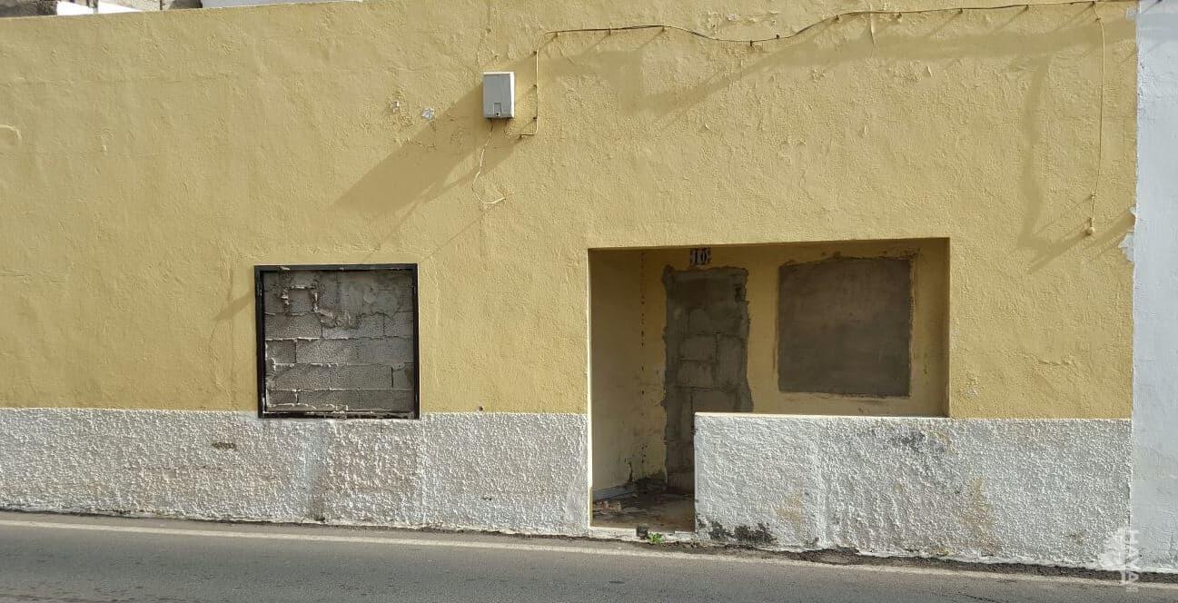Piso en venta en Arrecife, Las Palmas, Calle Blasco Ibáñez, 39.200 €, 3 habitaciones, 2 baños, 75 m2