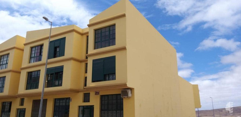 Piso en venta en Barrio Buenavista, Puerto del Rosario, Las Palmas, Calle Virgen de la Peña, 70.000 €, 2 habitaciones, 1 baño, 72 m2