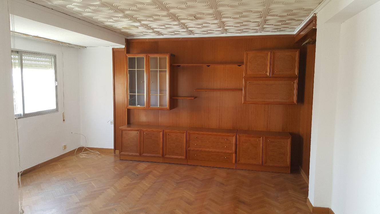 Piso en venta en Gandia, Valencia, Calle Cardenal Cisnero, 48.000 €, 3 habitaciones, 1 baño, 120 m2